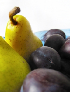 1308687_pears_and_plums_3